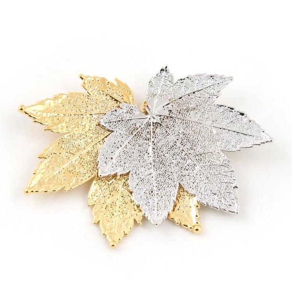 Ciondolo due toni con due vere foglie di acero full moon placcate una oro e una argento