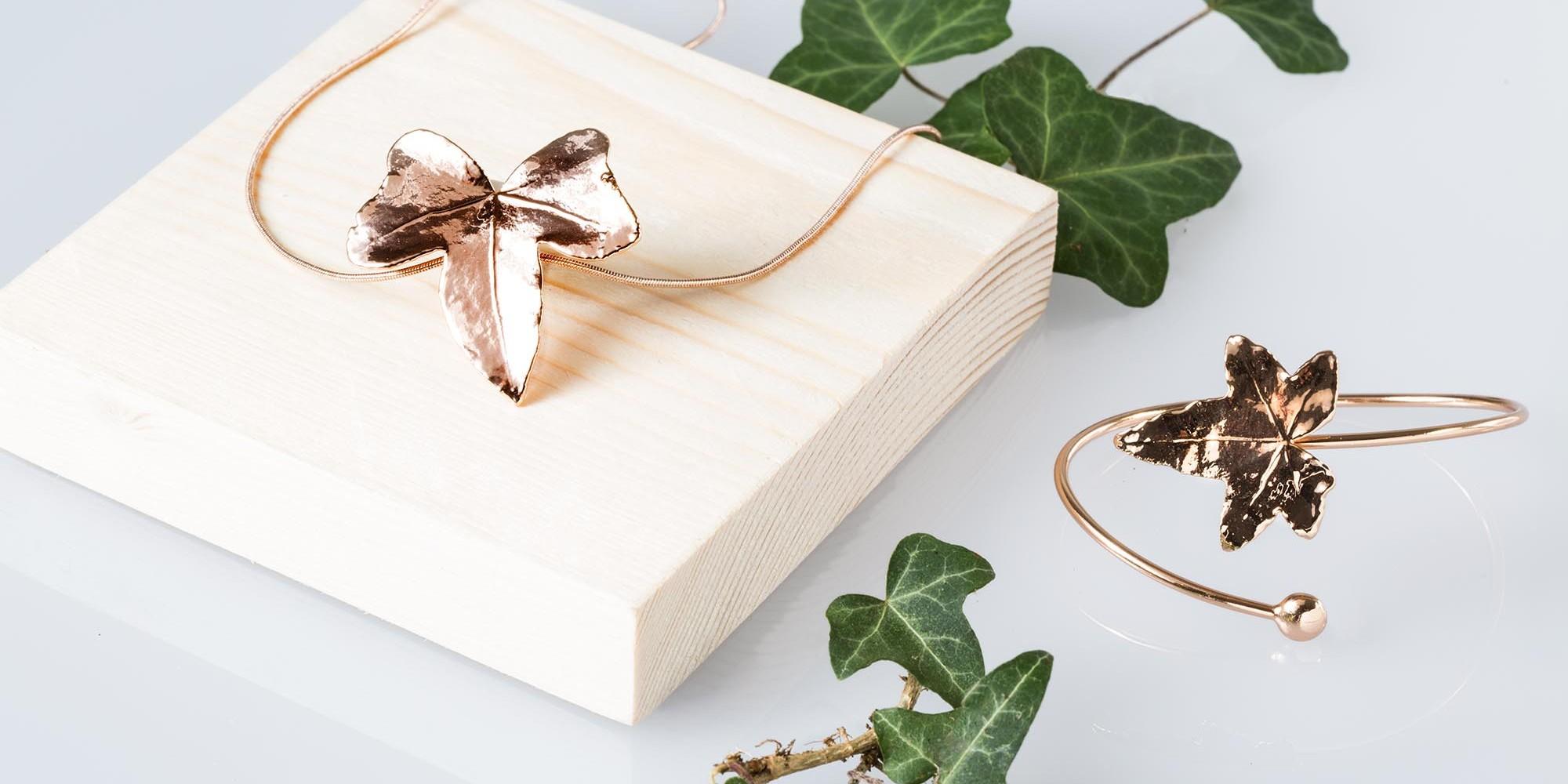 Ciondolo con catena e bracciale di vere foglie di edere placcate oro rosa