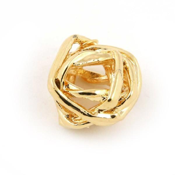 Ciondolo con veri giunchi legati a formare una sfera irregolare placcata oro